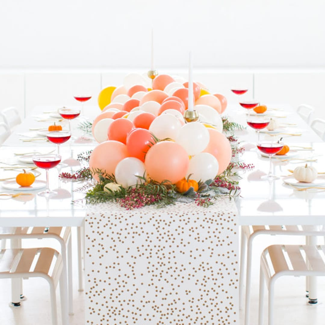 Elegant Organic Balloon Table Runner